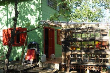 Cabane en bois pour les amoureux de la nature - Cabin
