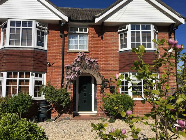 Lovely Single Room in Family Home,  New Forest