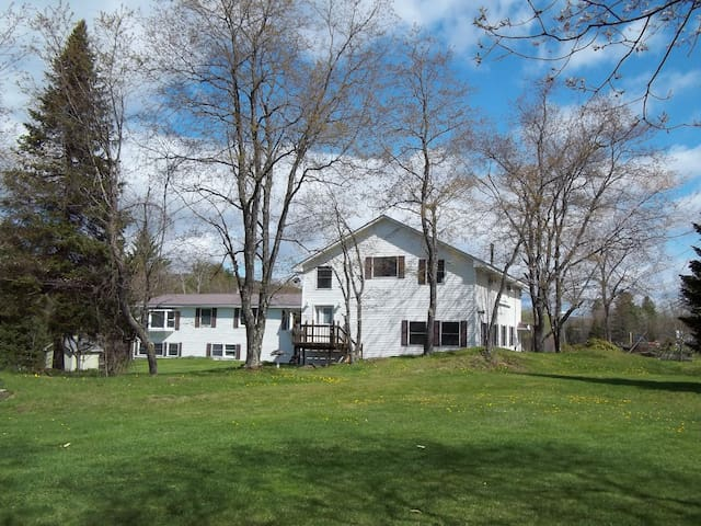 Spacious retreat to enjoy Vermont and its capital.