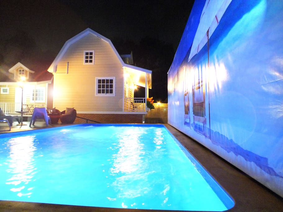 Night time party pool side or dinner in your styles.