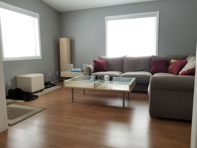 2 bedrooms, 2 baths close to downtown Minneapolis