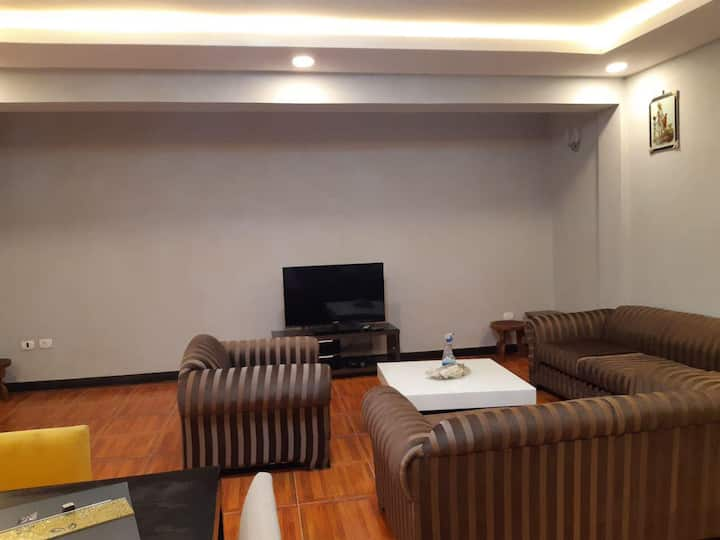 4 bedroom apartment near downtown CMC area