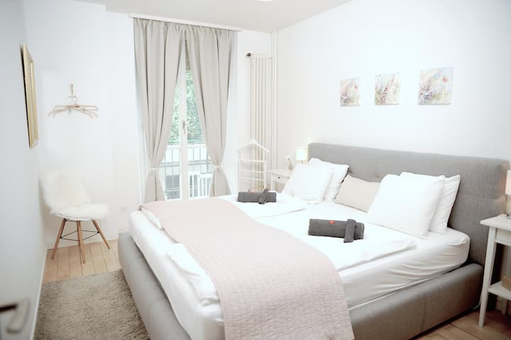 Central, Bright & Designed 3.5 rooms flat