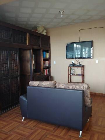 Habitación con baño privado a minutos del centro