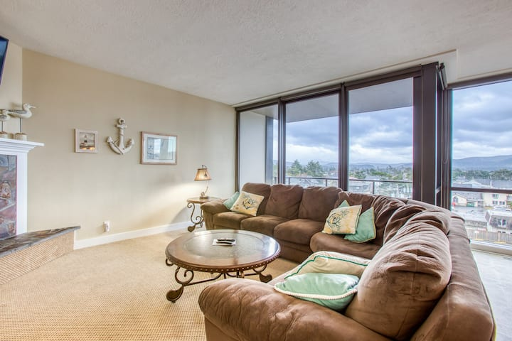 Mountain & ocean views, a gas fireplace, family-friendly, steps to the beach!