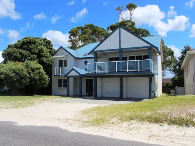 Splendour On Port Stephens! - Hawks Nest - House