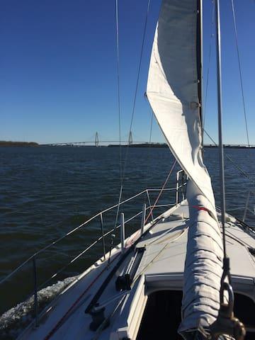 High Seas Hideaway - North Charleston - Barco