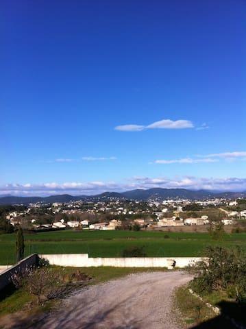 Grande maison familiale au calme - Méjannes-lès-Alès