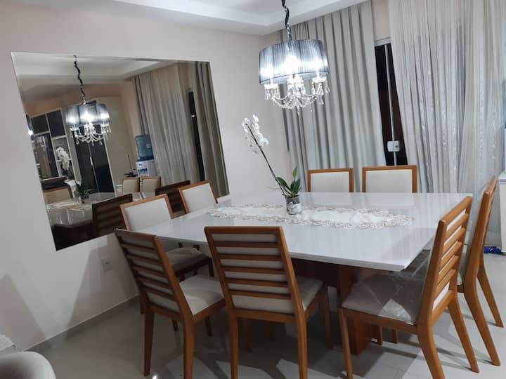 Excelente casa para veraneio em Balneário Camboriú