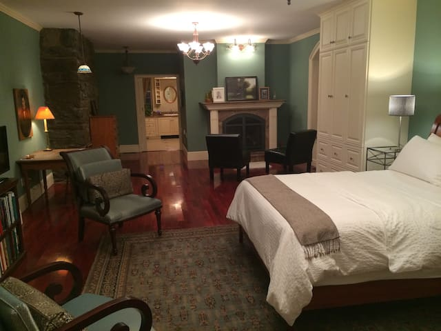 The Theresa Room at The Millstone