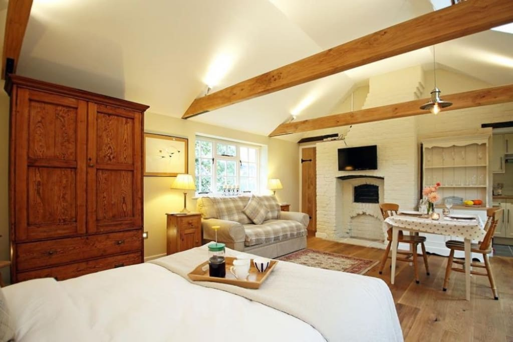 Open plan room, double bed and sofa bed