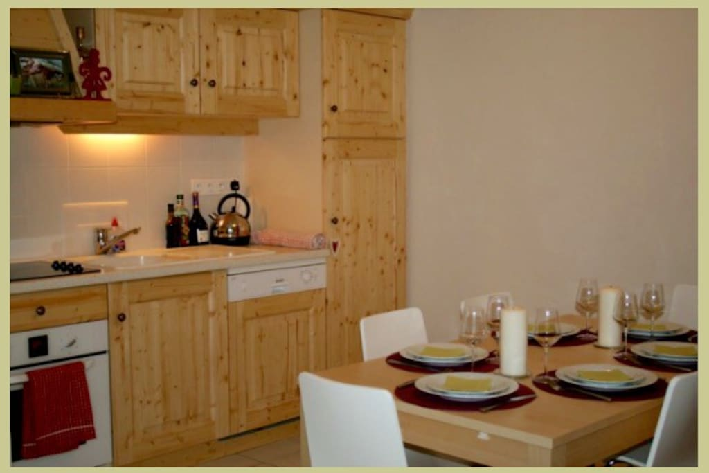 kitchen Diner for 6 seated guests with fridge/freezer, dishwasher and oven.