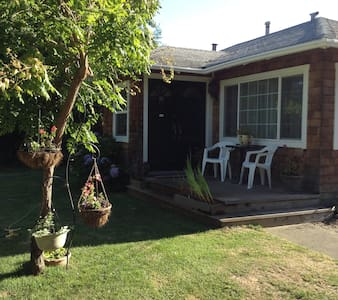 French Style Cottage in The Wine Country - Sebastopol - Dom
