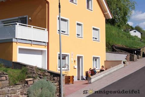 Drei Sterne (DTV) Ferienwohnung Sonnige Südeifel
