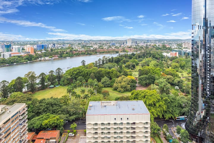 ☆BREATHTAKING VIEWS☆CBD CONVENIENCE☆WIFI☆PARKING