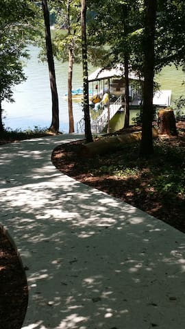 Lake House, Private Dock, 15 min to Clemson - Seneca - House