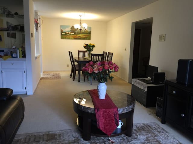 Furnished Beautiful Room For Rent - Mountain View - Apartmen