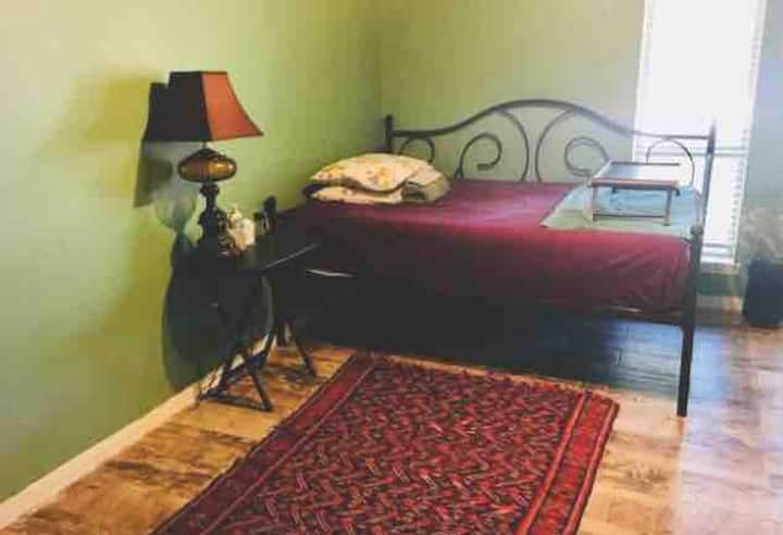 QUITE COMFY ROOM BY CLEARLAKE