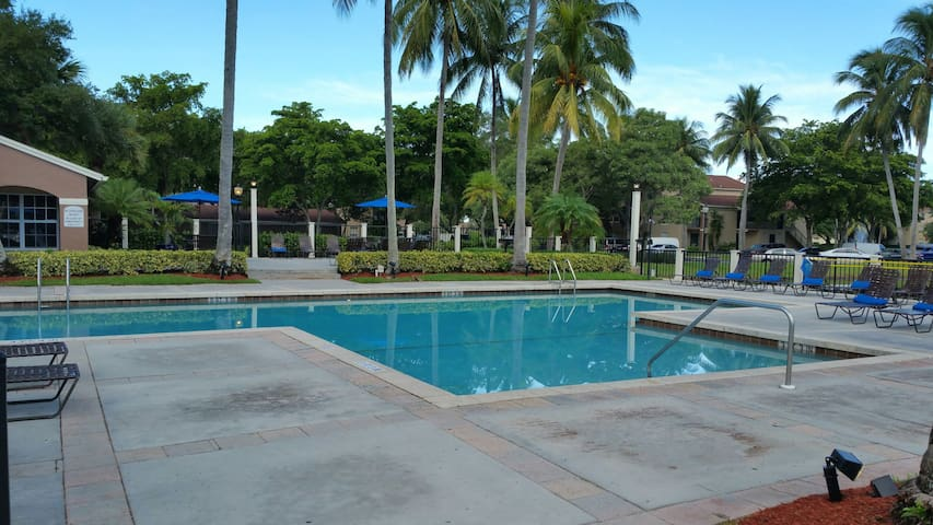 Lovely private bedroom free parking - Boynton Beach - Apartamento