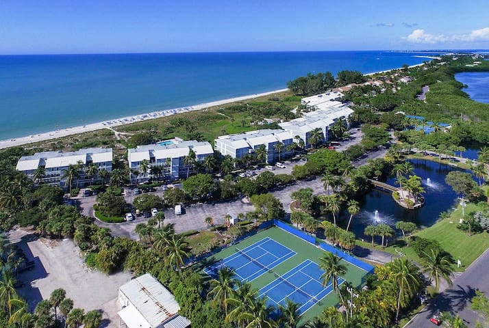 SOUTH SEAS BEACH VILLA 2428- COMPLETELY REMODELED CONDO AS OF OCT. 2019!