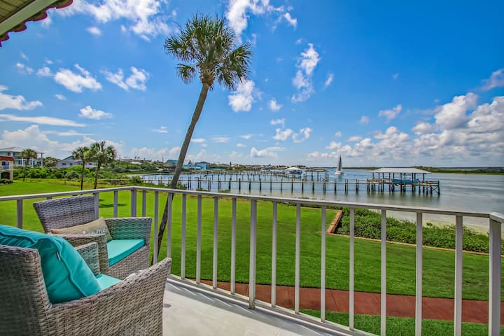 The Ultimate Intracoastal Living Experience in FL