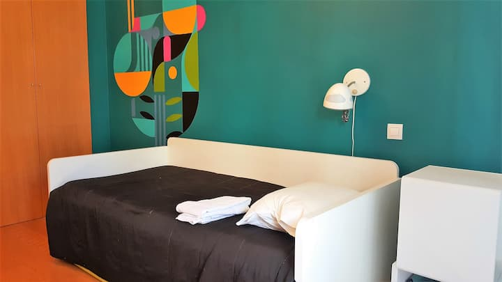 Colorful room at Cascais