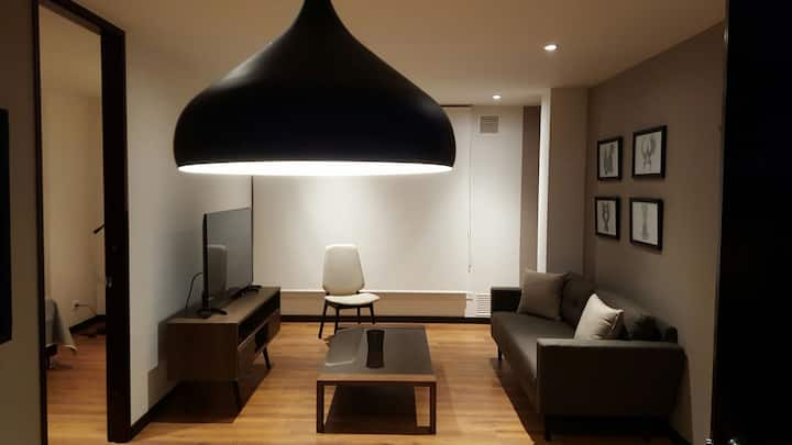 Comfy, cozy, 20mbps wifi and in great place! M311
