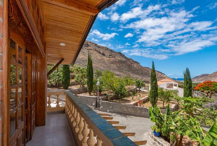 Casa con piscina compartida en Mogán (GC0283)