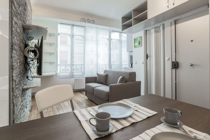 Luxury, central studio near Louvre - Paris - Flat