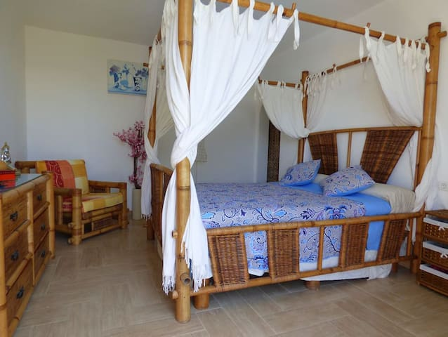 dormitorio balinés