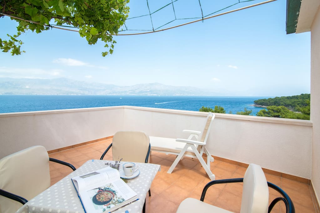 Furnished terrace with sea view