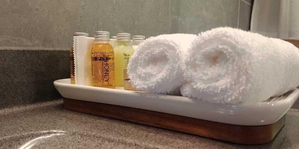 Luxury Soaps, Shampoos, Conditioners and Lotions