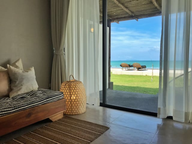 1 bed room, oceanfront home at Chaloklum beach