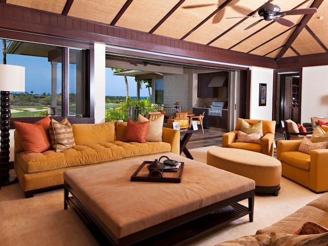 HUALALAI Wai'ulu 115D, 3/3.5 with Elegant Furnishings and Amazing Views