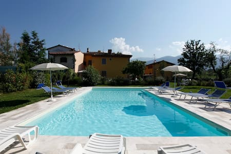 house with pool in the heart of Tuscany - Pian di Scò - Byt