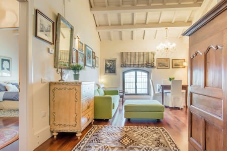 Waterfront Retreat in Renovated Historic Building