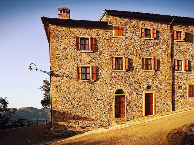 Borgousciano Casa Colonica