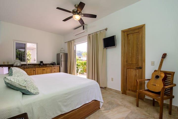 Deluxe One Bedroom Apartment