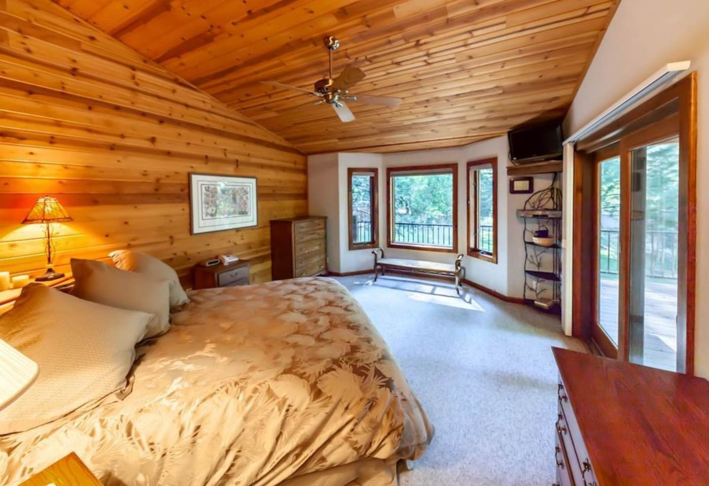 """At the """"Hummingbird Suite"""", in beautiful, historic Graeagle, guests enjoy nesting in a comfortable, cozy Master Suite with private deck and entrance."""