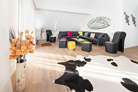 Eksklusiivinen 5,5 huoneen W/O perheille ja yrityksille