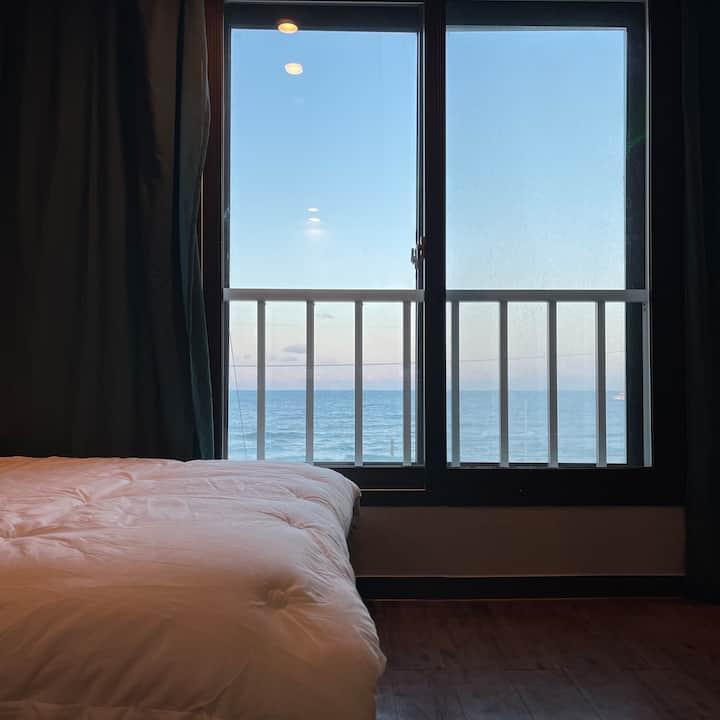 강릉 사천 해변 바로 앞, 진짜 진짜 잘보이는 오션룸