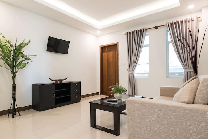 Spacious 2 bedroom Apartment + Generator 24H