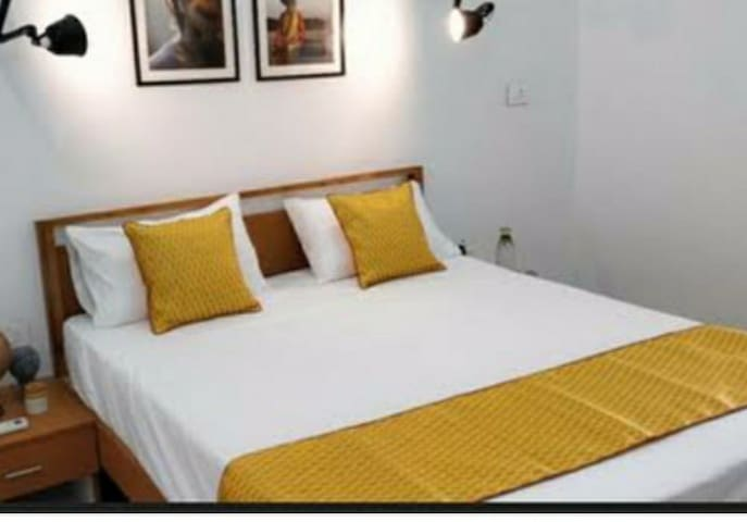 OMKARESHWAR PAYING GUEST HOUSE