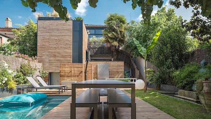 Maison contemporaine plein centre piscine &jacuzzi