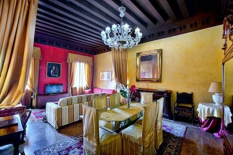 Luxury large apartment Tiepolo