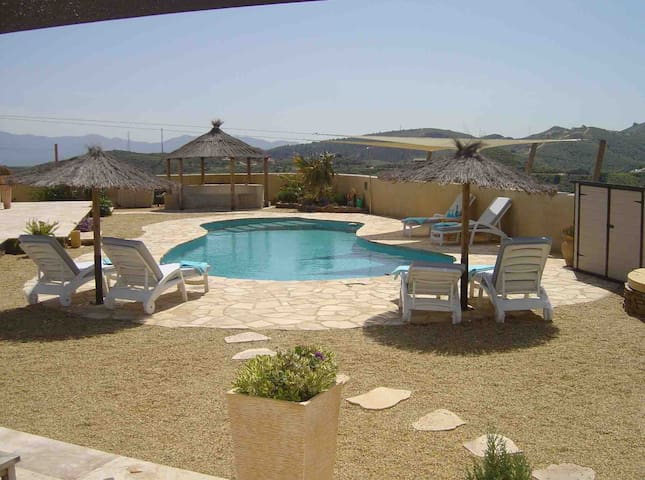 Set in Andalucía, casita estilo is a self contained cottage with pool, sea and mountain views.