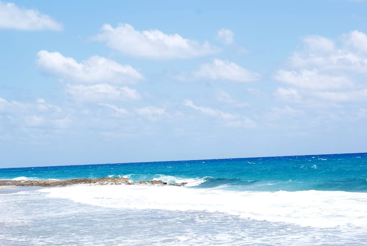 Oceanside Studio Steps to the Beach