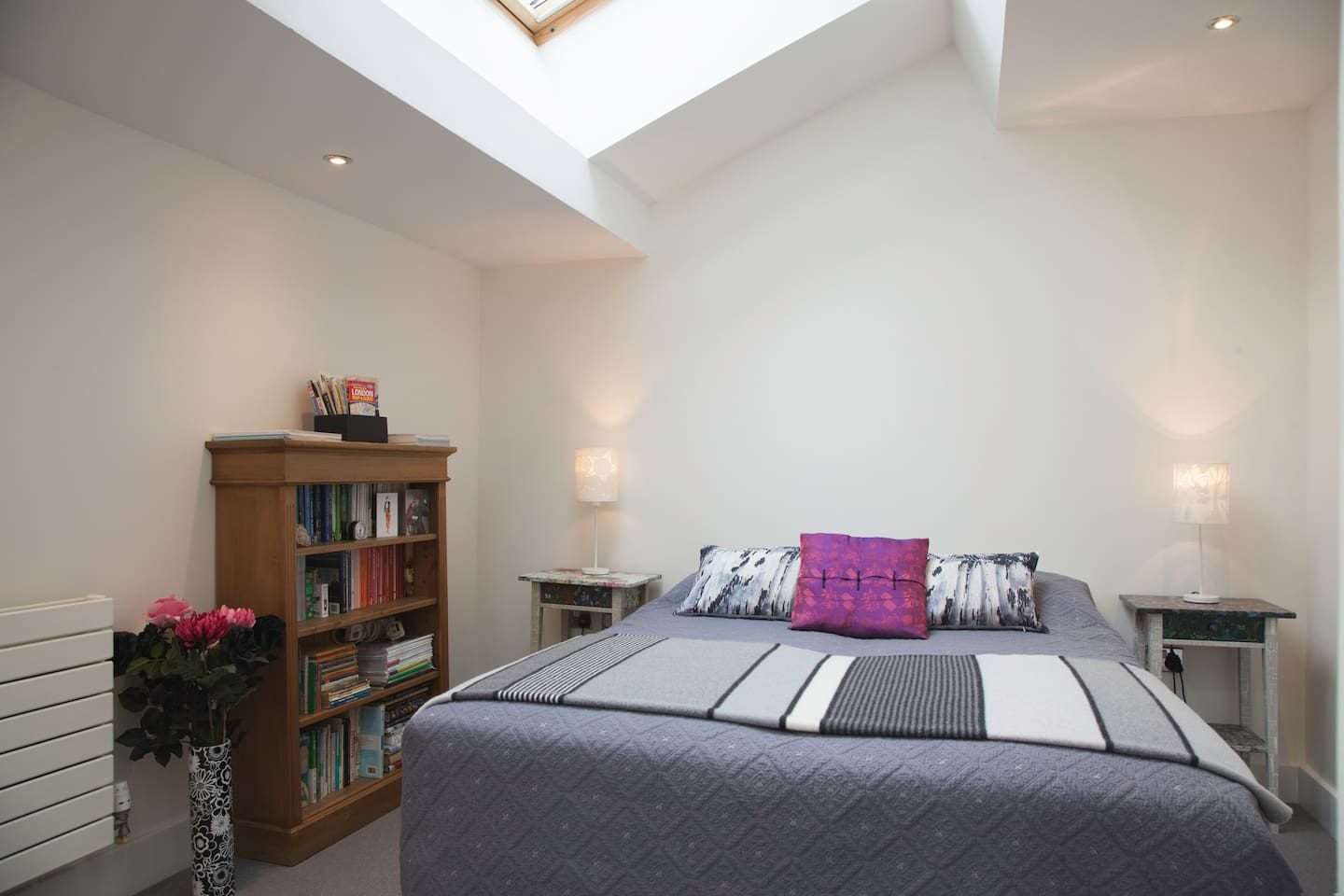 the guest bedroom: light and spacious with a comfortable double bed