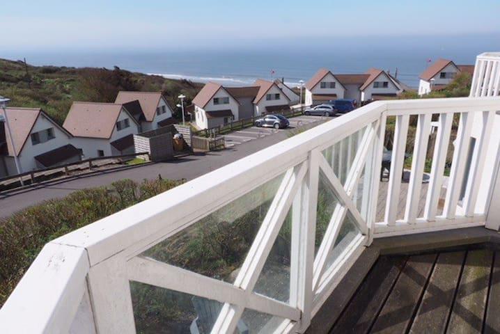 Vakantiehuis aan de opaalkust met zicht op zee.