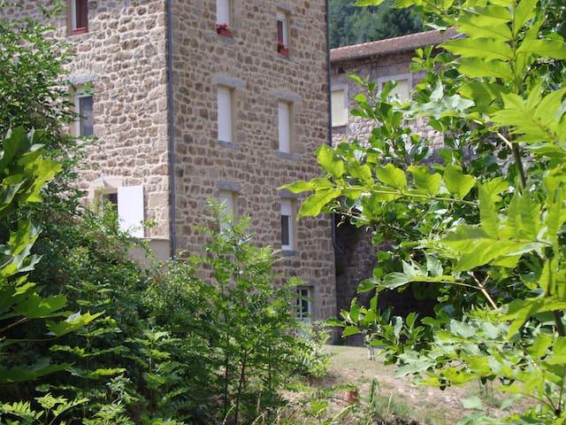 Appartement entre ruisseau et rivière - Dornas - Lägenhet